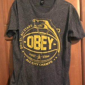 OBEY T-Shirt Sz M Mens Gray Grenade Graphic Tee